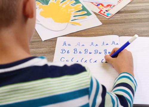 So schreibt Ihr Kind einen Aufsatz 4. Klasse mit links.