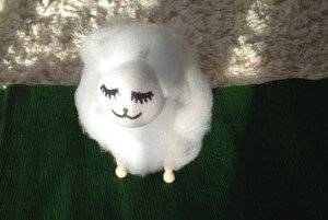 Schafe aus Kaffeebechern