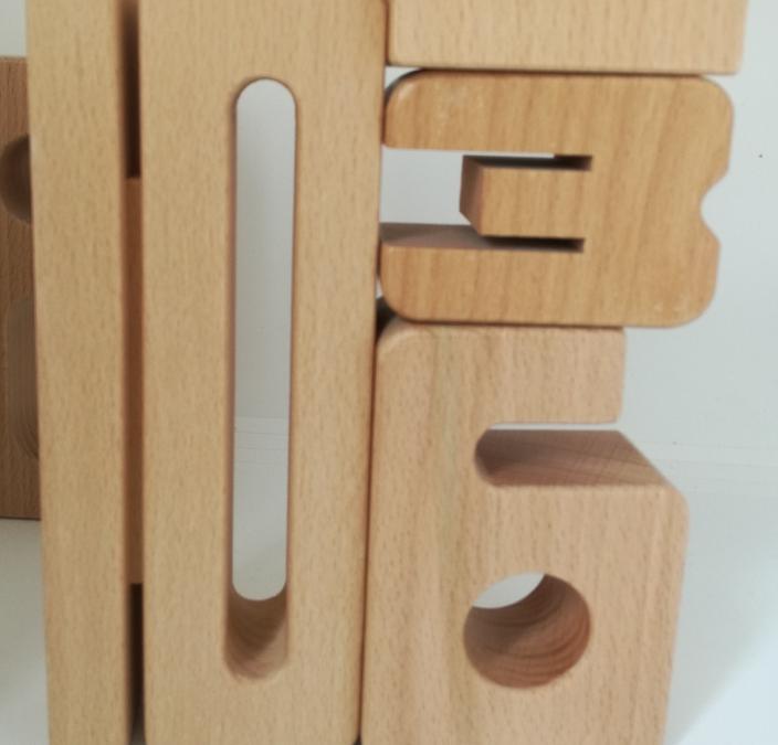 Rechnen lernen mit Holz-Ziffern