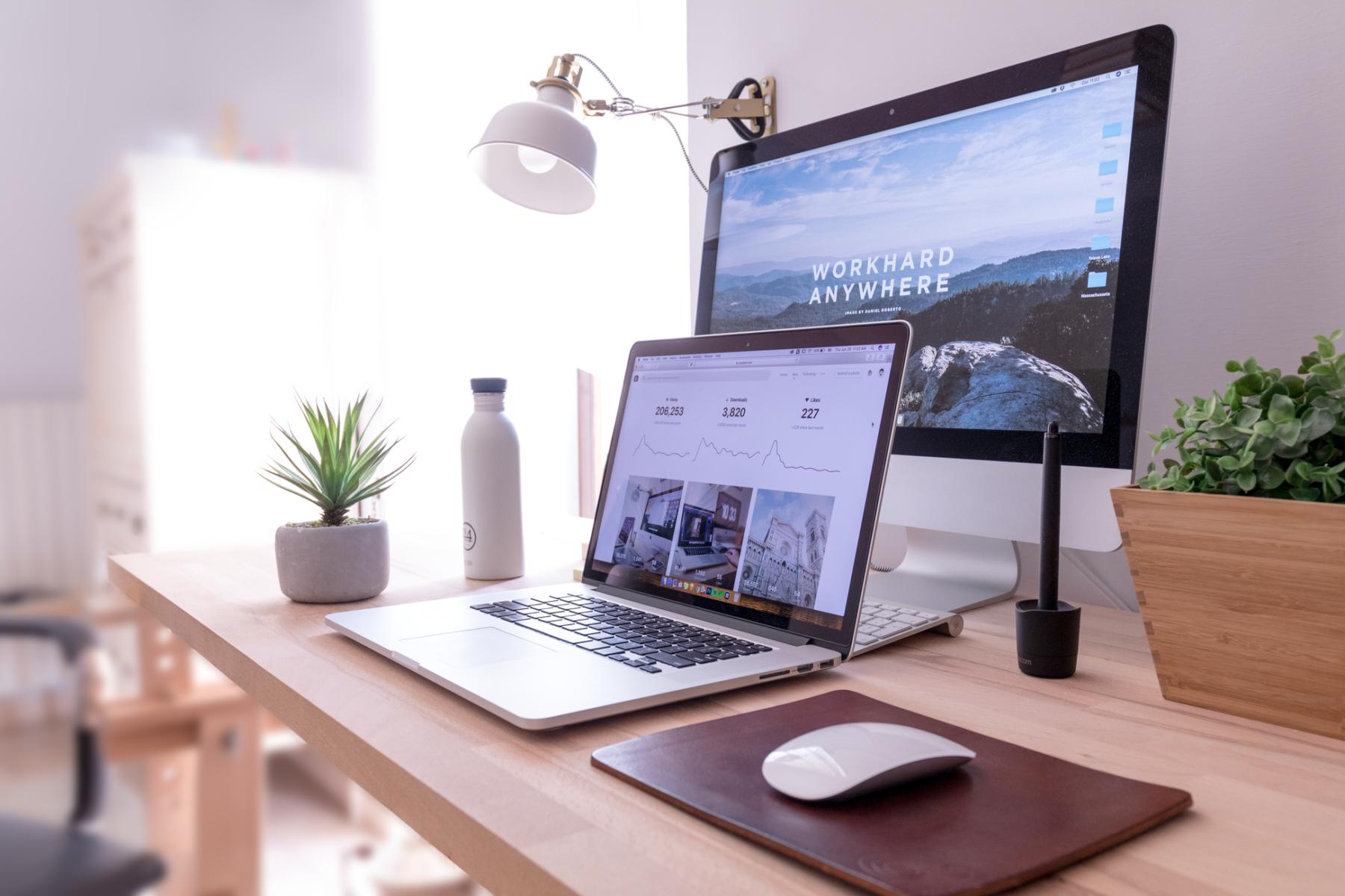 Schreibtischmöbel